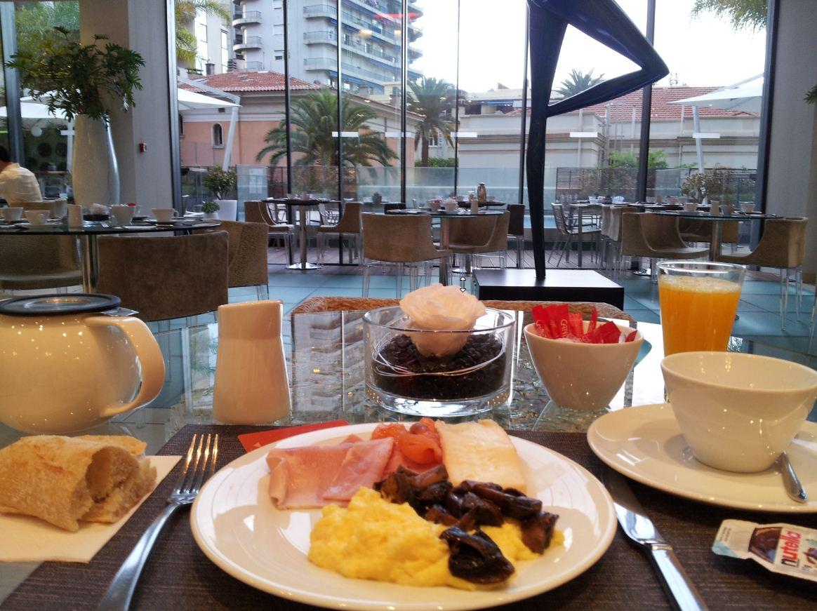 H tel novotel monaco inspiration for travellers for Hotel petit prix