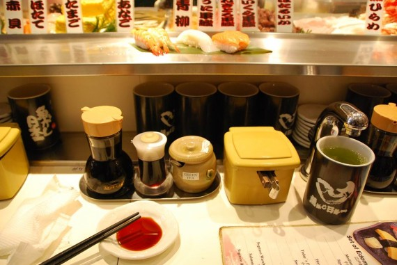 Tokyo - Restaurant de sushis debout (6)