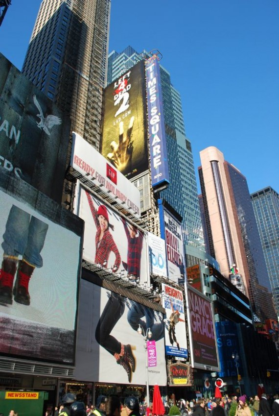 Times Square New York by day (10)