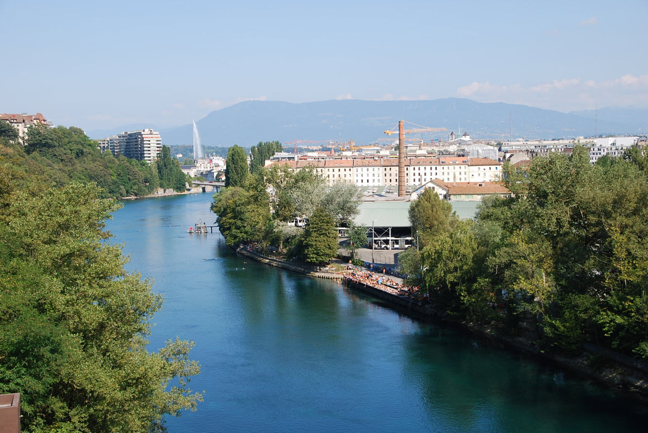 Baignade Jonction Geneve dans le Rhone