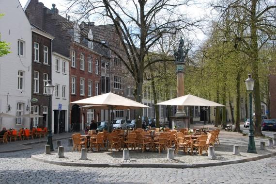 Maastricht 32