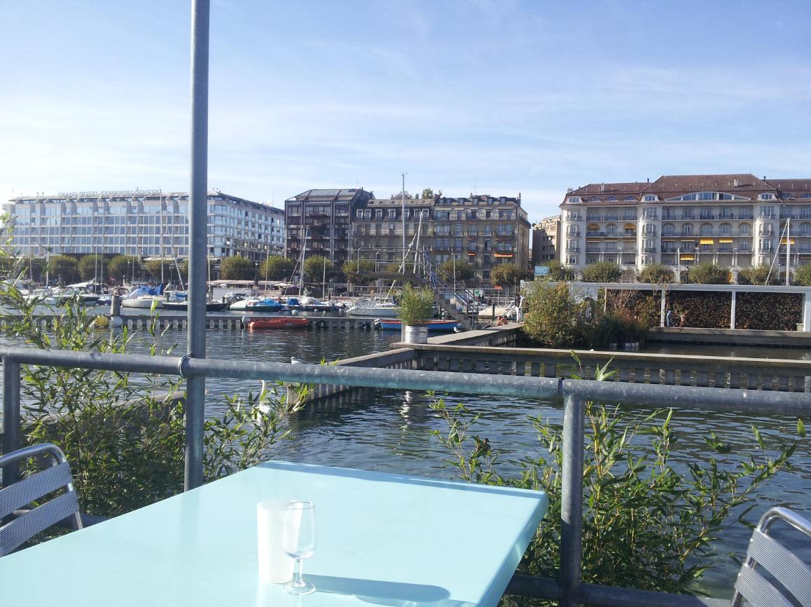 Buvette sur le lac a Geneve