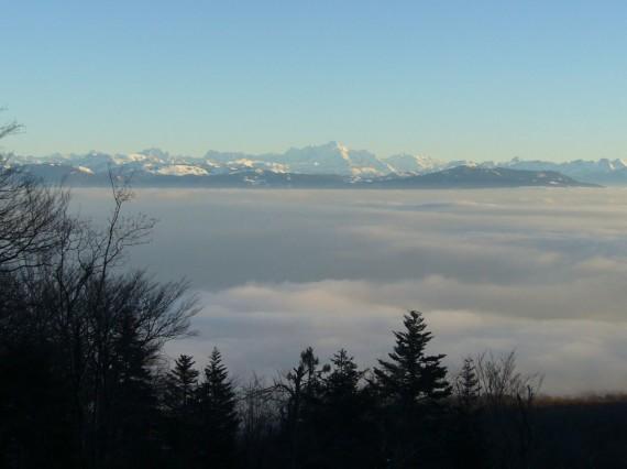 Vue sur les Alpes depuis Saint-Cergues 06