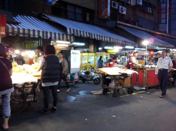 Huaxi Street Night Market Taipei (11)