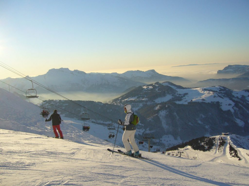 Skier depart Geneve La Clusaz
