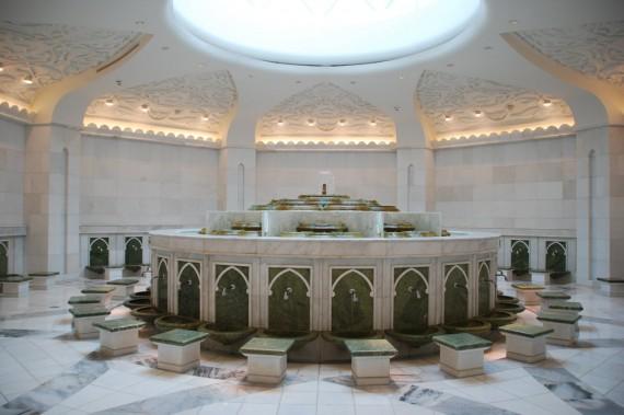 Grand Mosque Abu Dhabi 13