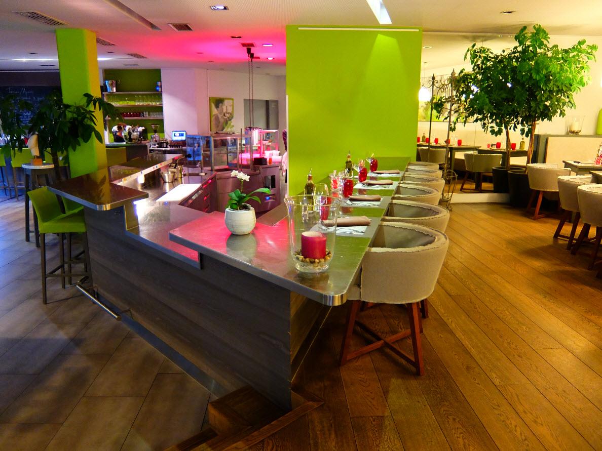 Bar et cuisine ouverte