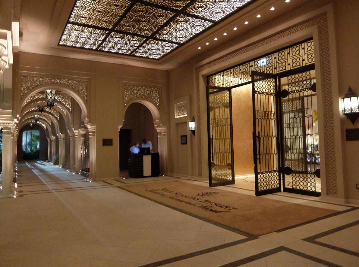 Visite de l h tel four seasons resort dubai at jumeirah for Dubai decoration interieur