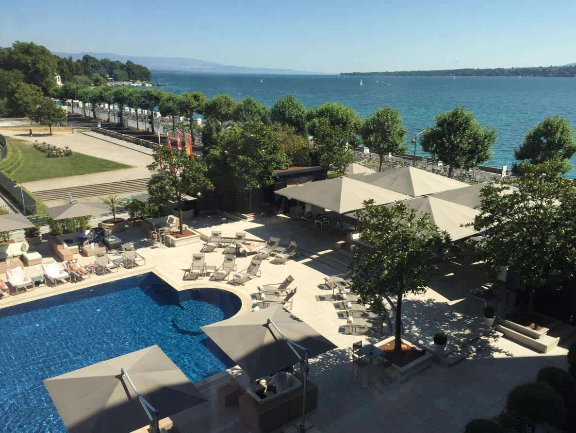 O se baigner gen ve a la piscine de l h tel pr sident for Hotel pralognan la vanoise piscine