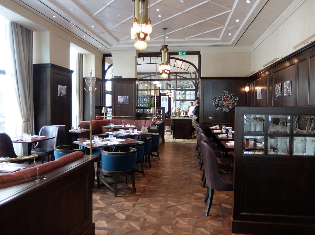 restaurant koll zs au four seasons budapest inspiration for travellers. Black Bedroom Furniture Sets. Home Design Ideas
