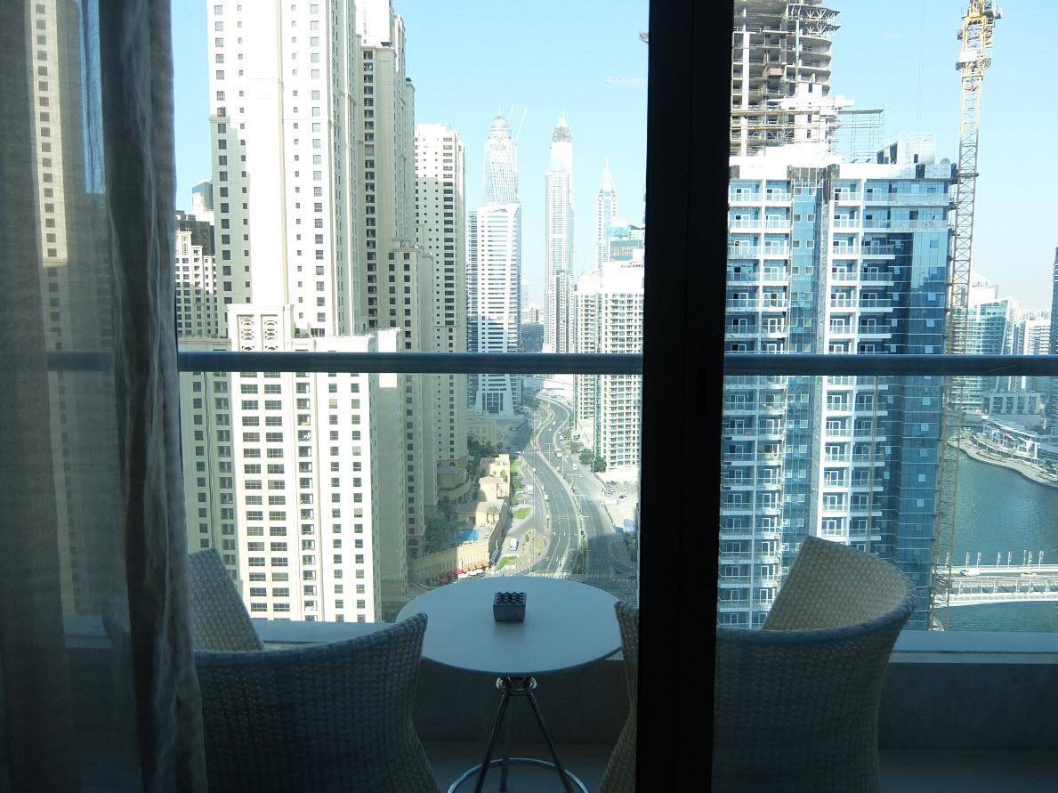 Balcon avec vue sur Dubai Marina