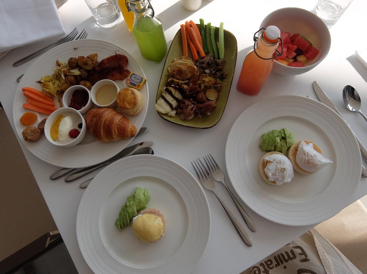 Petit-dejeuner buffet InterContinental Dubai Marina