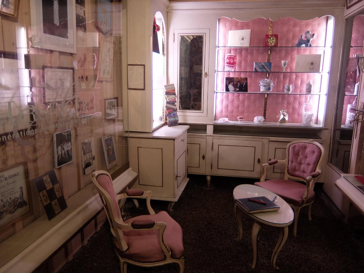 Ancienne boutique boudoir
