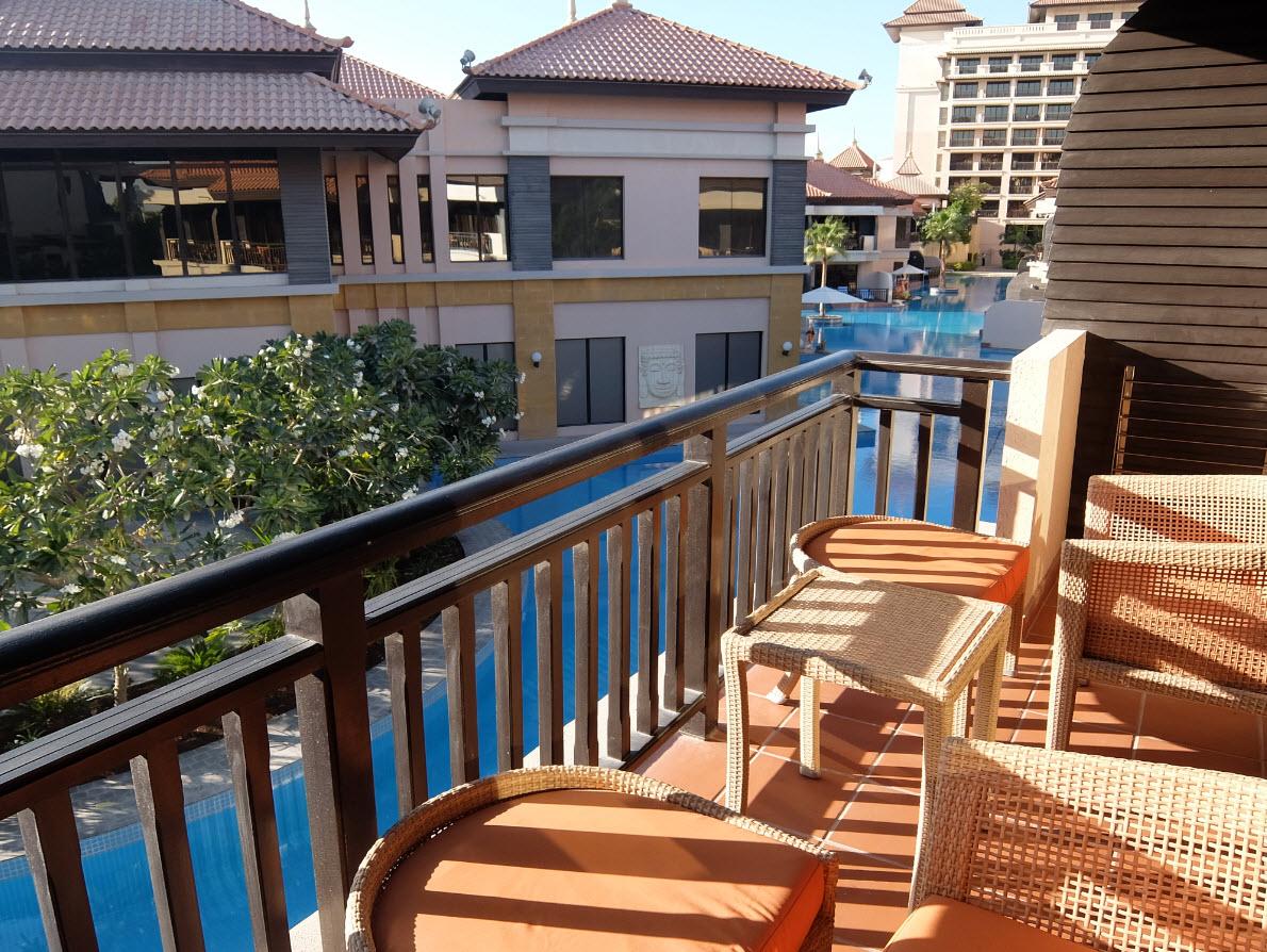 Balcon avec vue sur le lagon