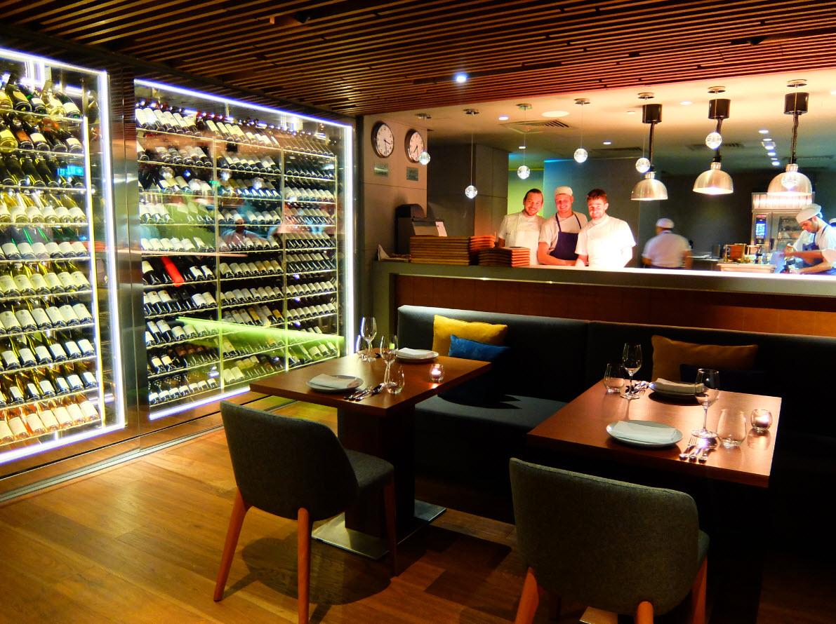Chefs Marina Social Dubai en cuisine