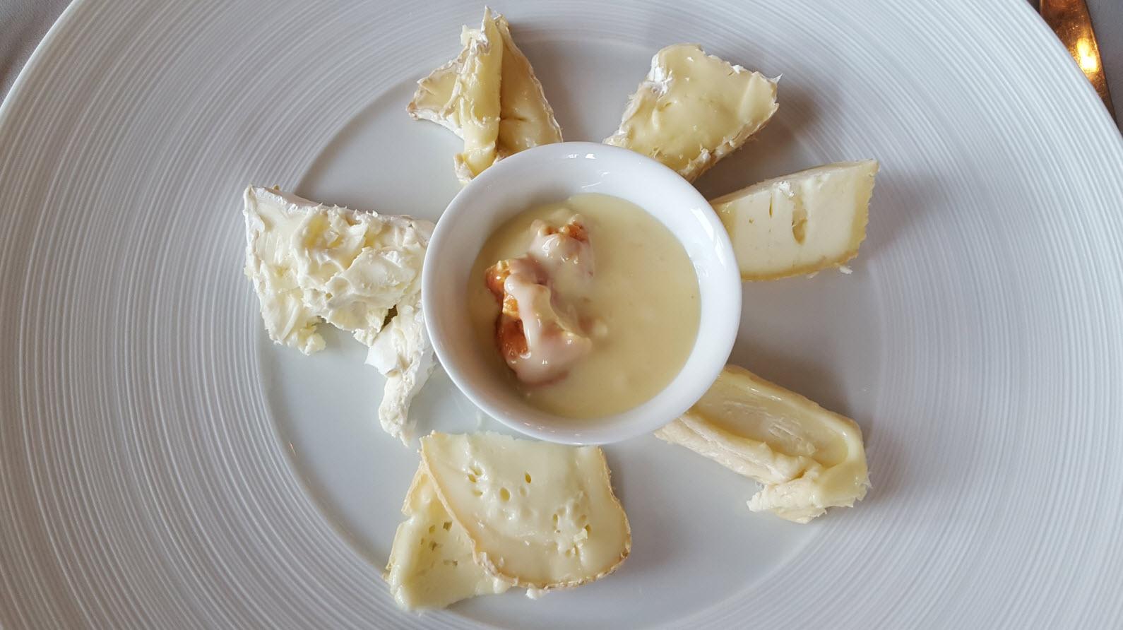 Assiette de fromage geometrique