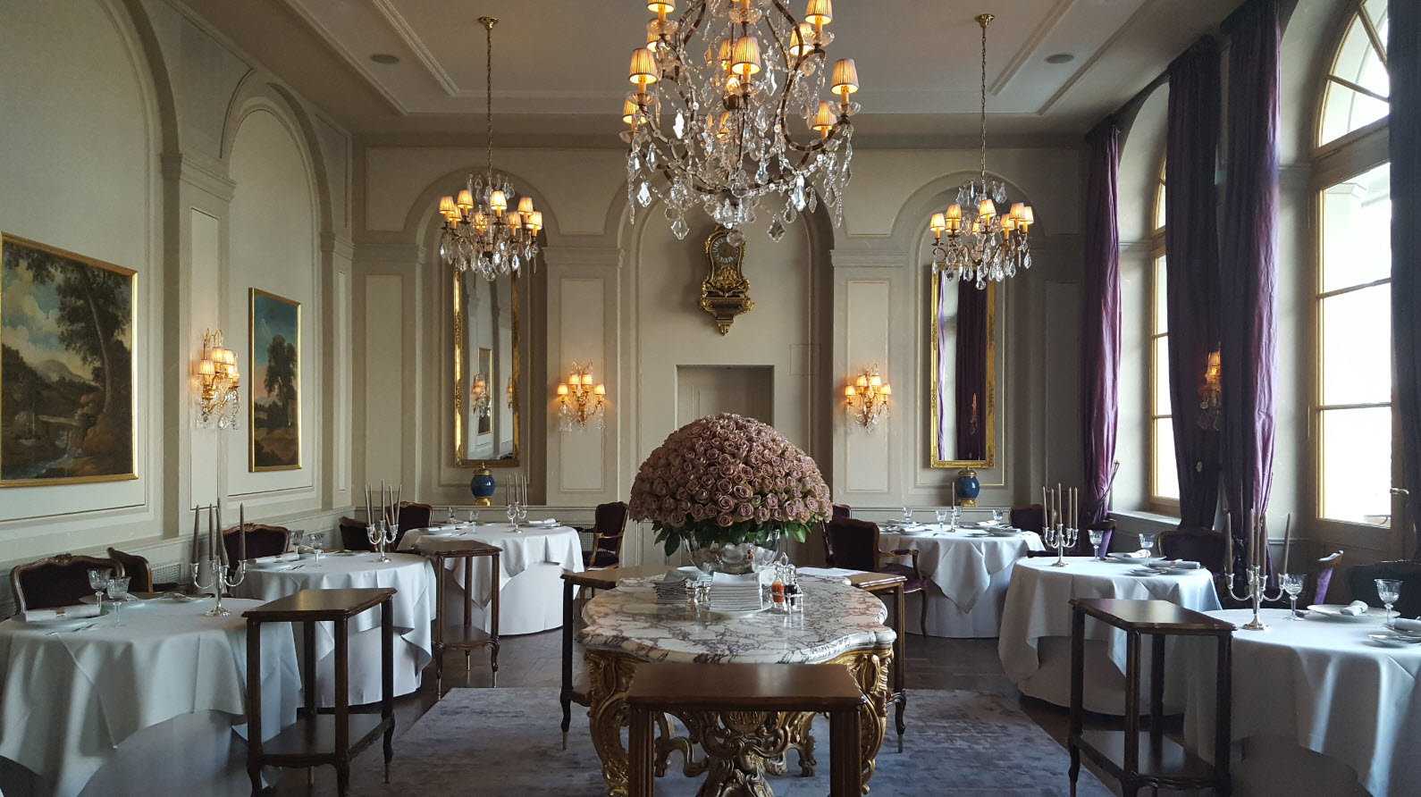 Salle du Cheval Blanc a Bale