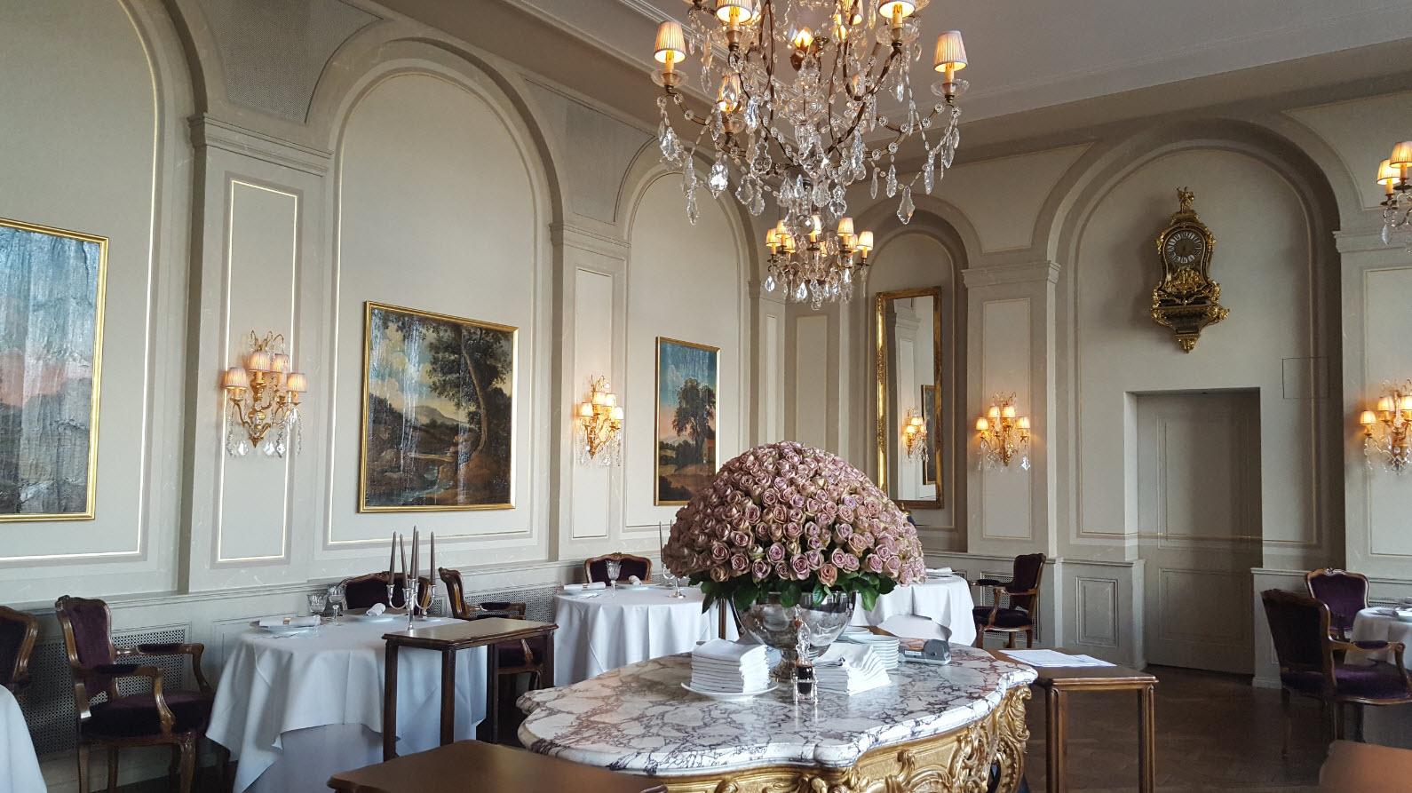 Salle au decor romantique