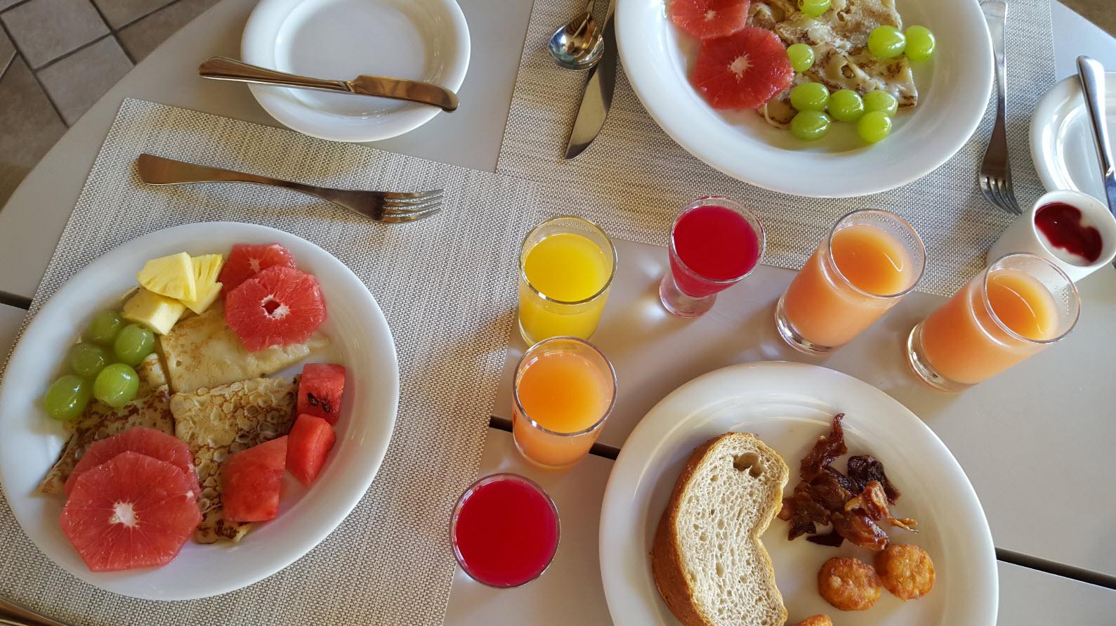 Petit-dejeuner frais et colore