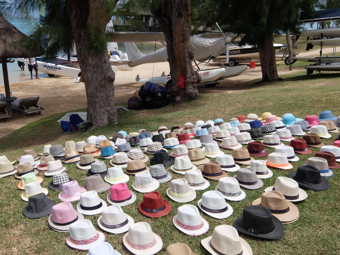 Vente de chapeaux sur la plage