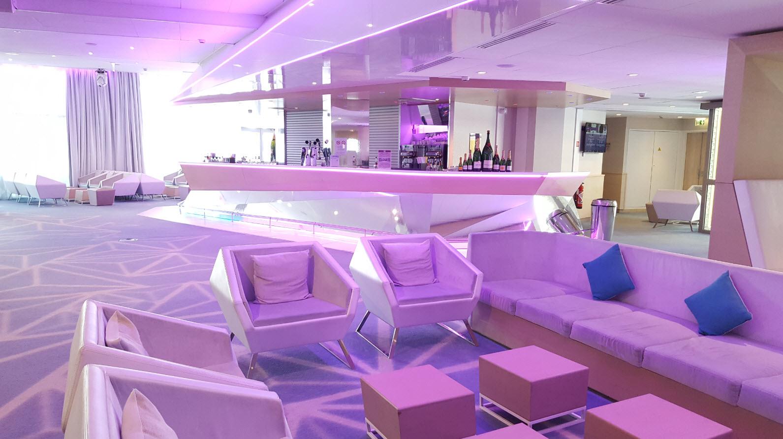 Bar et club