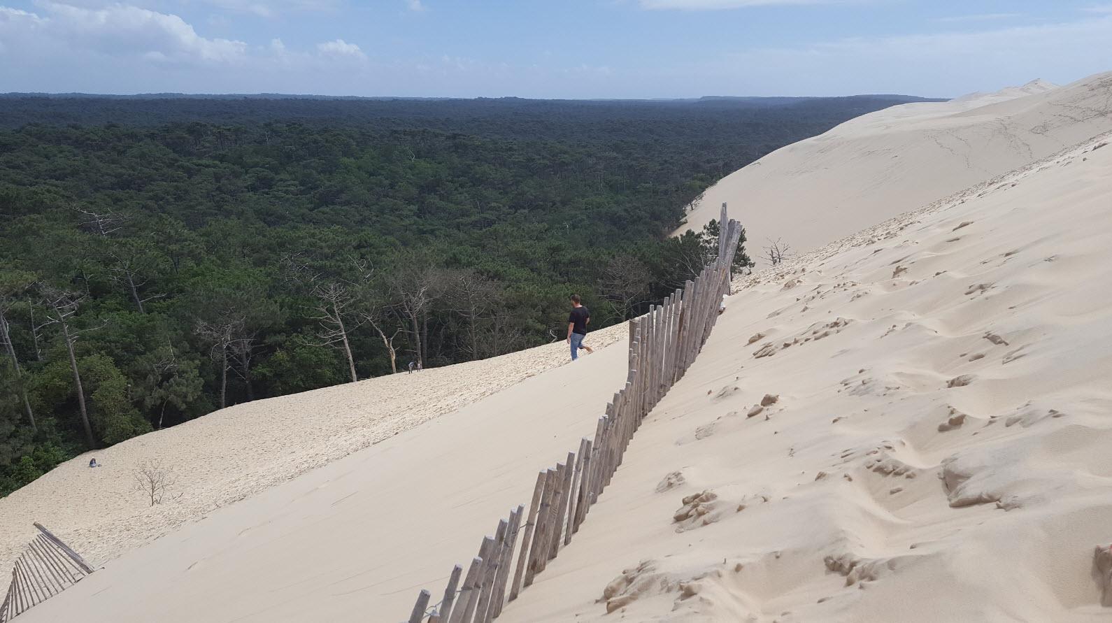 Se laisser glisser dans le sable