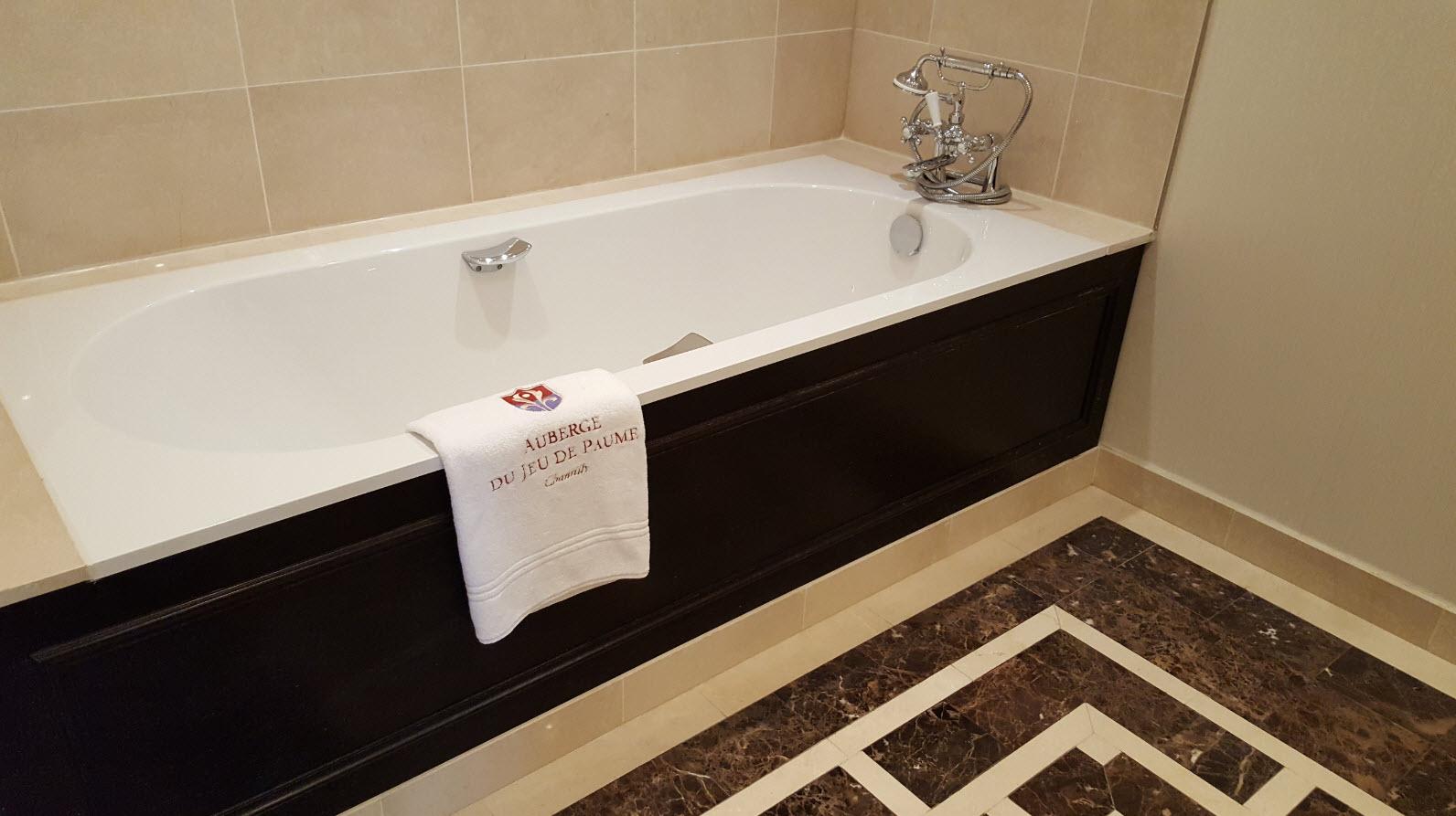 Salle-de-bains auberge du jeu de paume