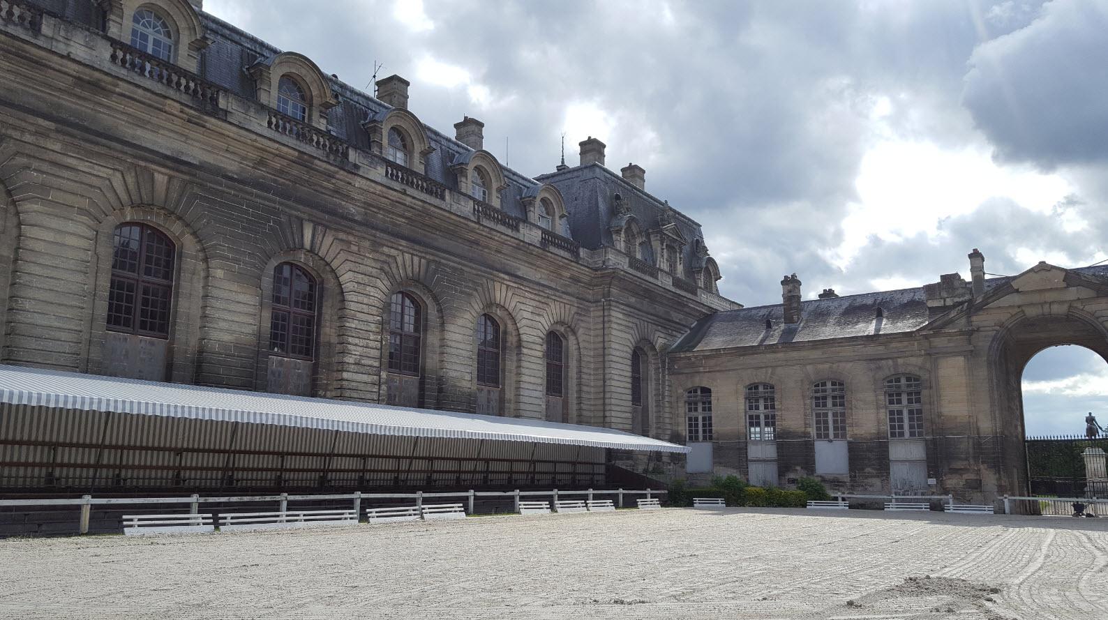 Cour des Chenils Chantilly