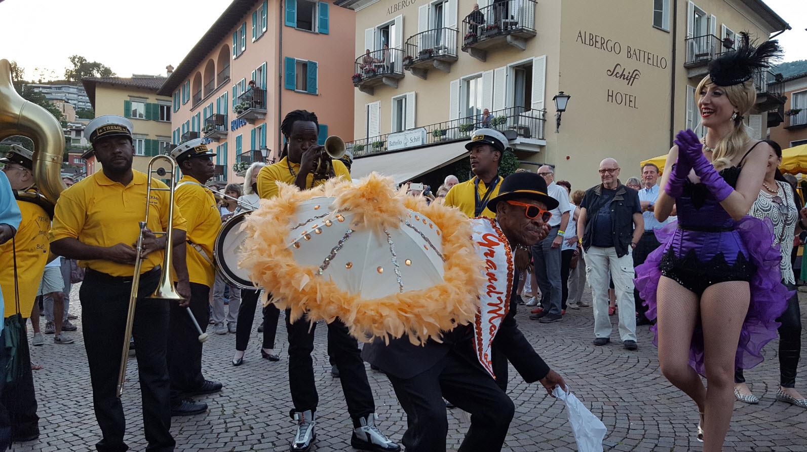 Fanfare dans les rues d'Ascona