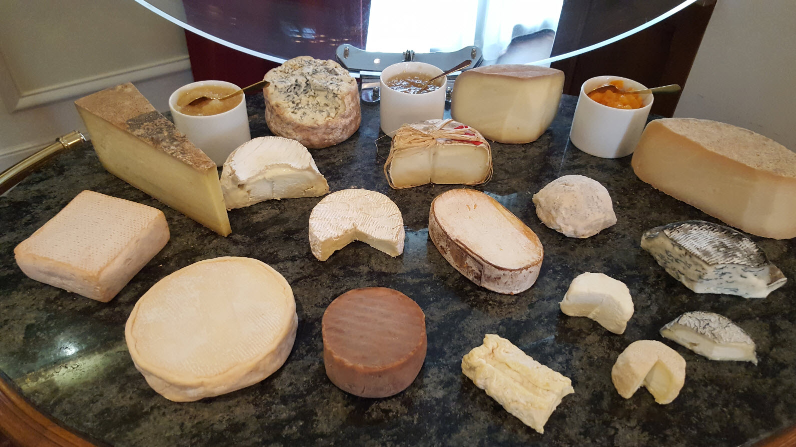 Plateau de fromage restaurant 2 etoiles michelin
