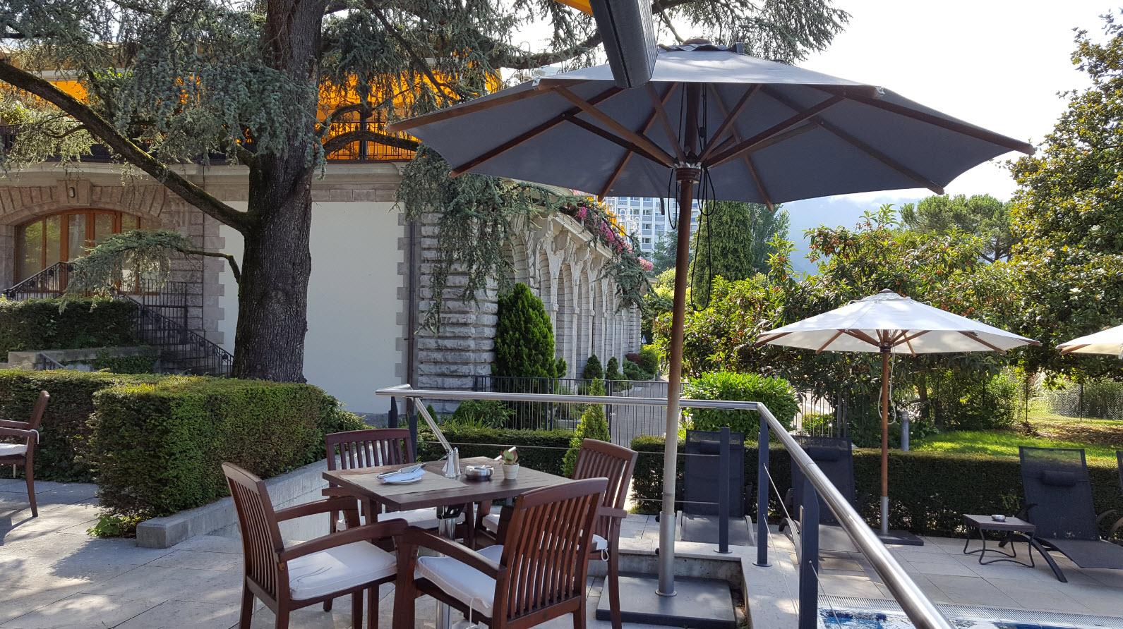 Terrasse du cafe de la piscine