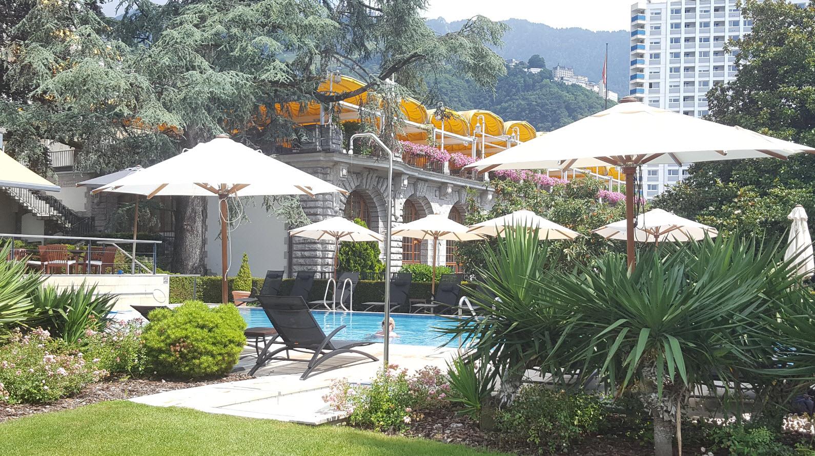 Piscine exterieure Fairmont Le Montreux Palace