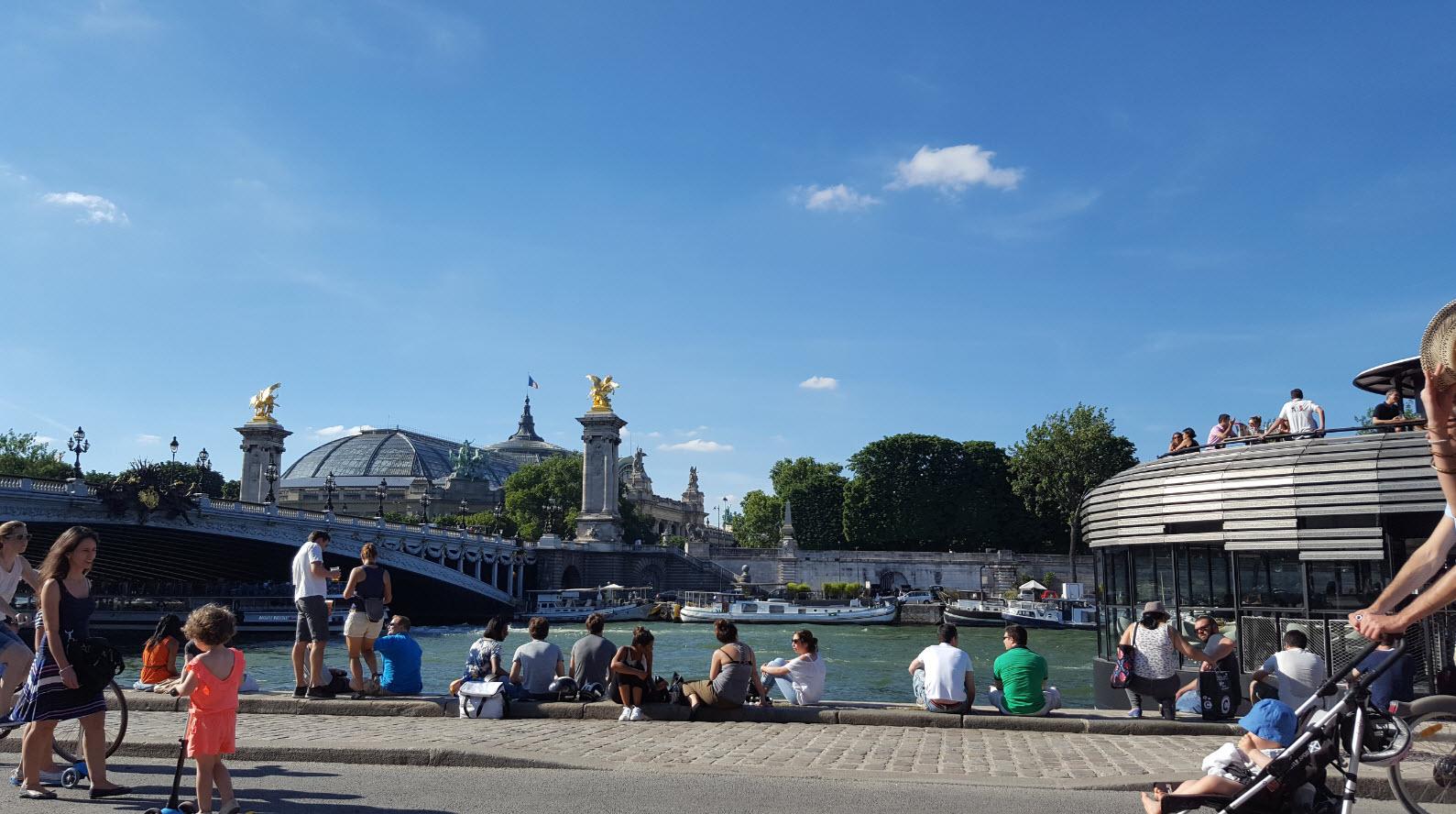 Vue depuis mon transat au bord de la Seine