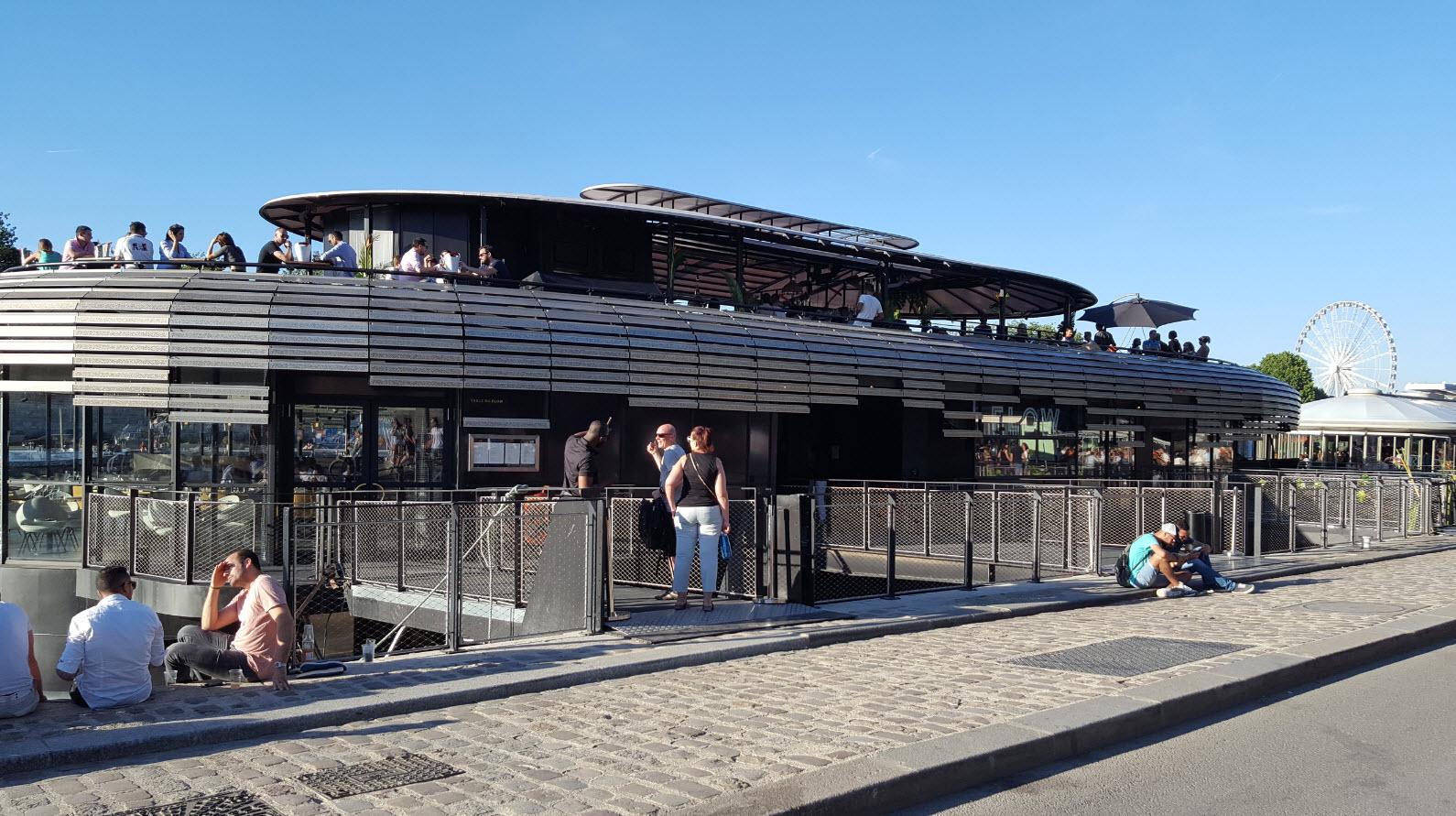 Peniche club restaurant sur la Seine