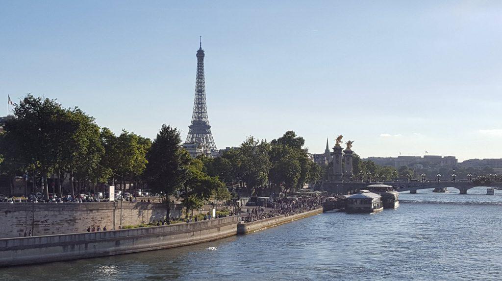 Peniches sur les Quais de Seine