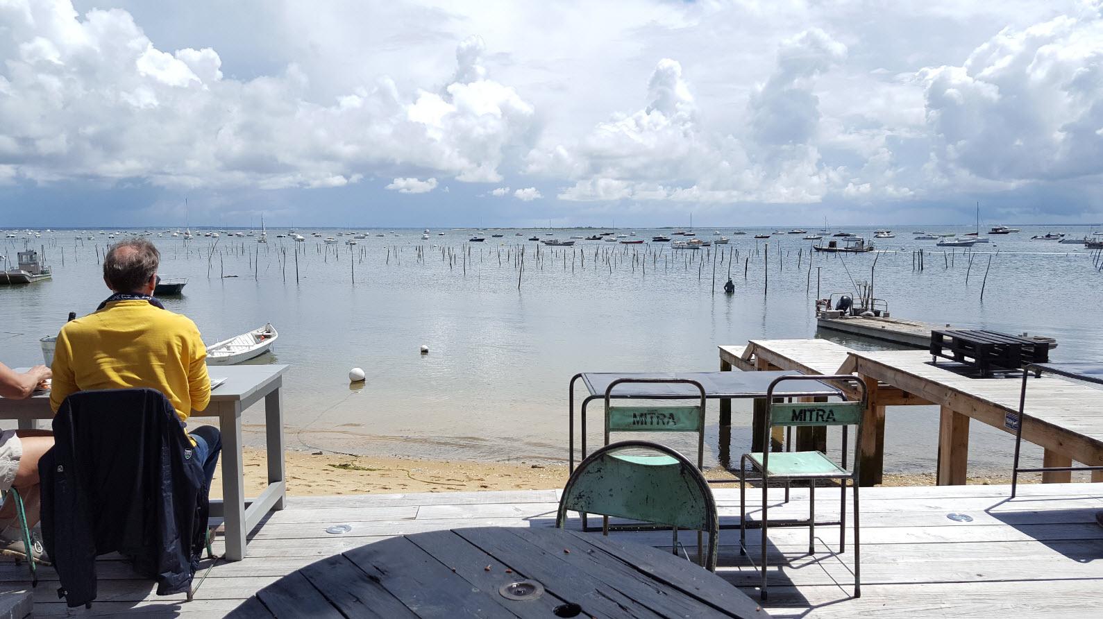 Dejeuner les pieds dans l'eau au Cap Ferret