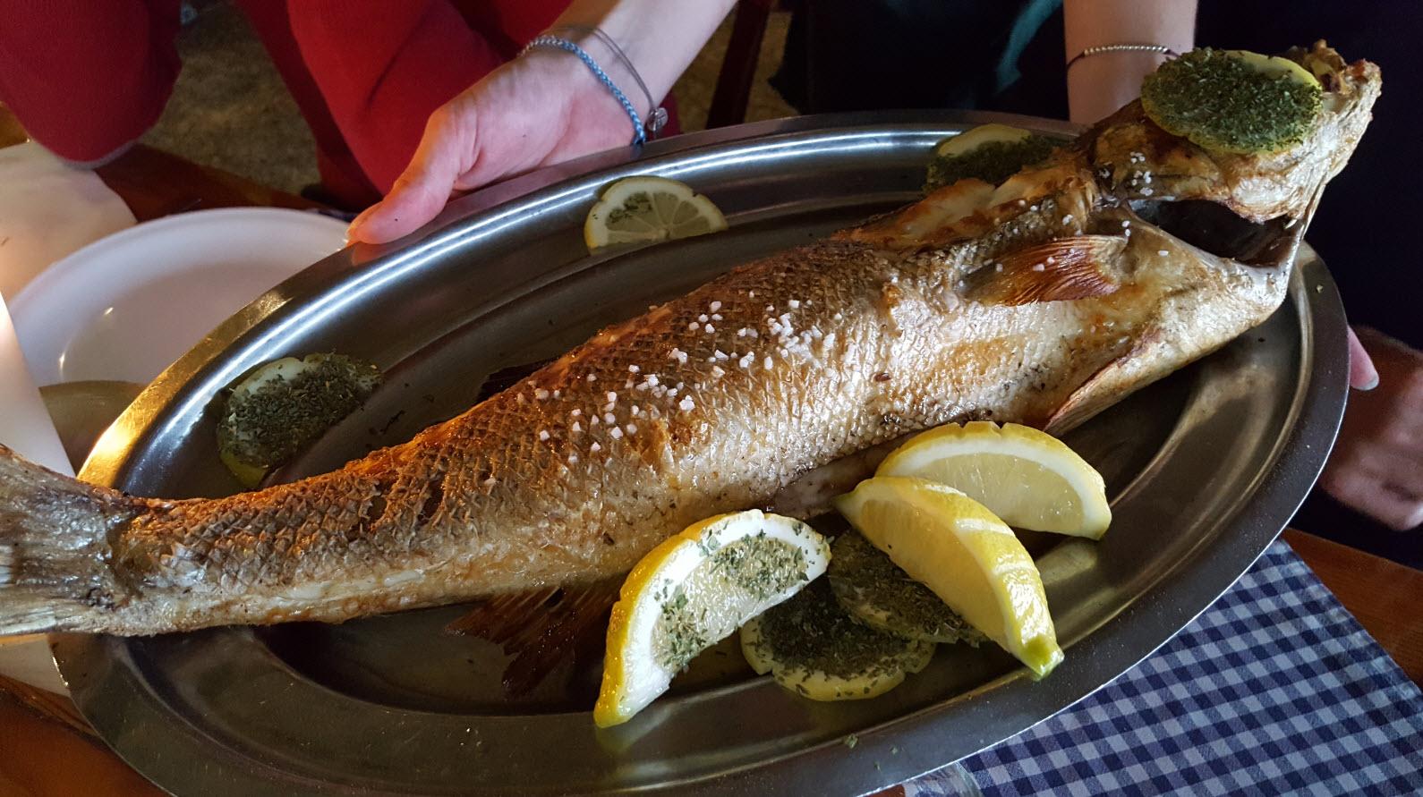 Le poisson entier avant la preparation
