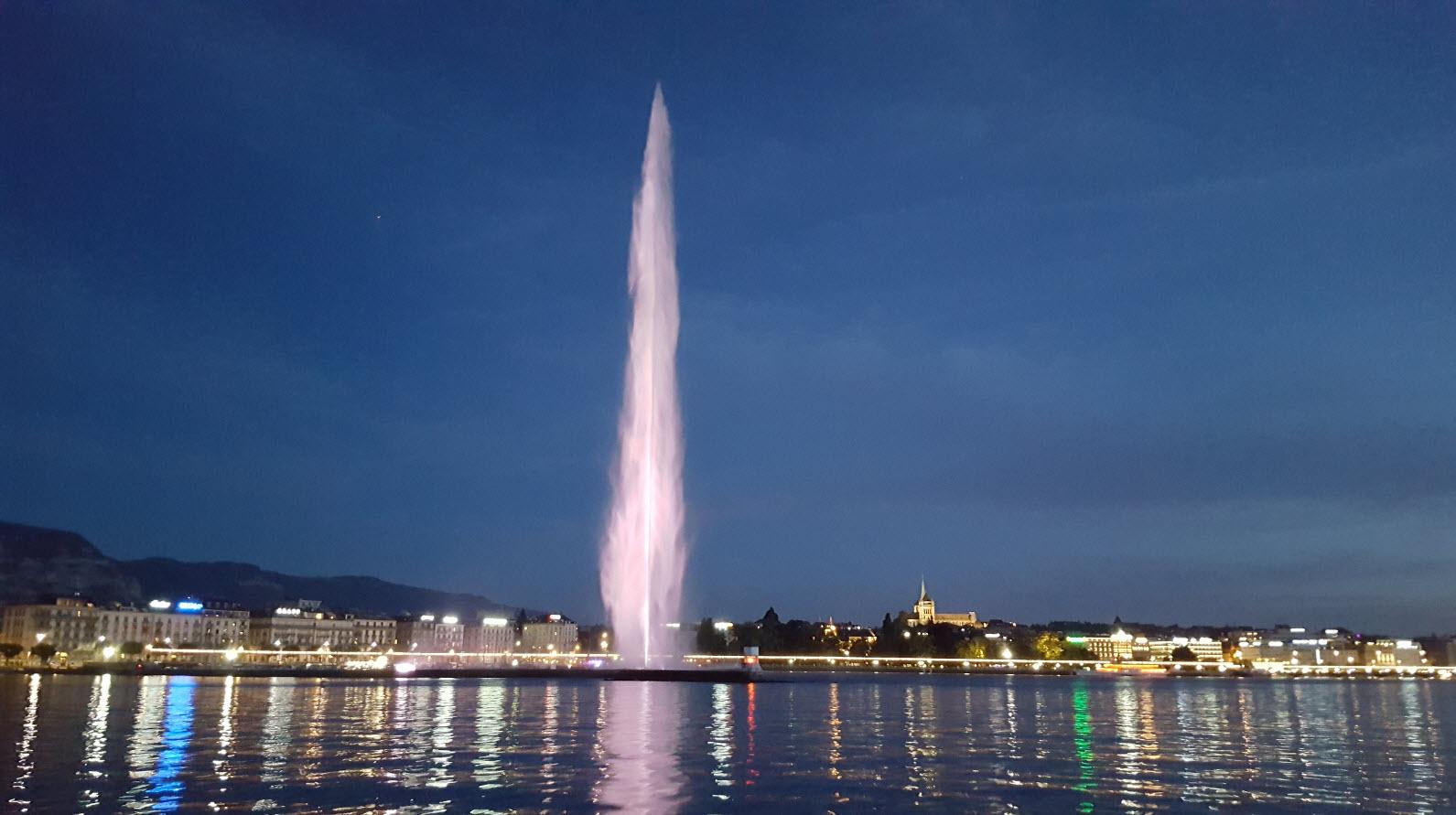 Jet d'Eau de Geneve de nuit