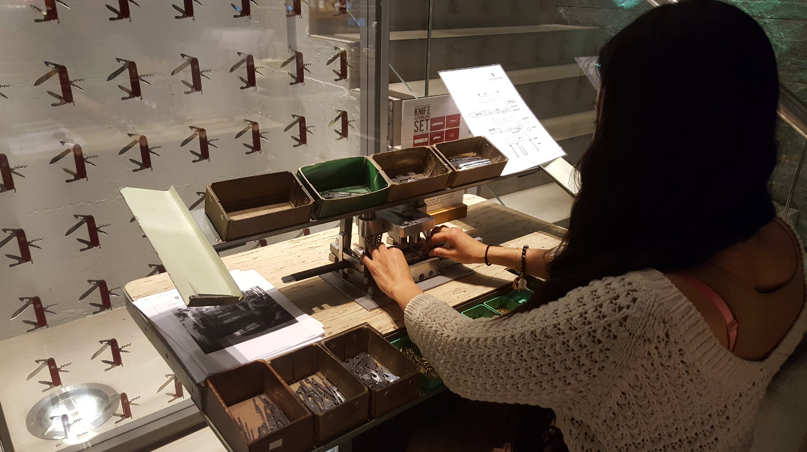 Atelier montage couteau suisse Geneve