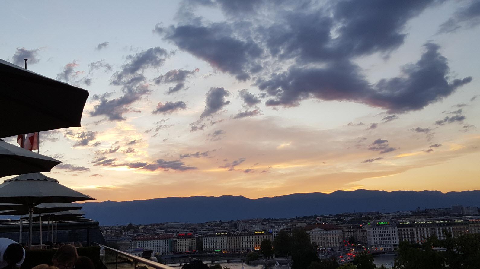 Admirer le coucher du soleil a Geneve