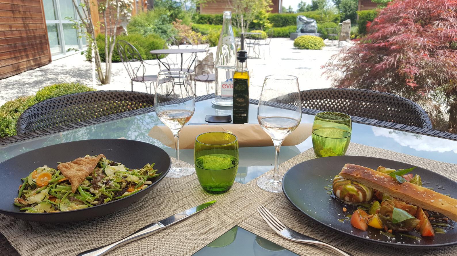 Déjeuner au Café du Jiva Hill