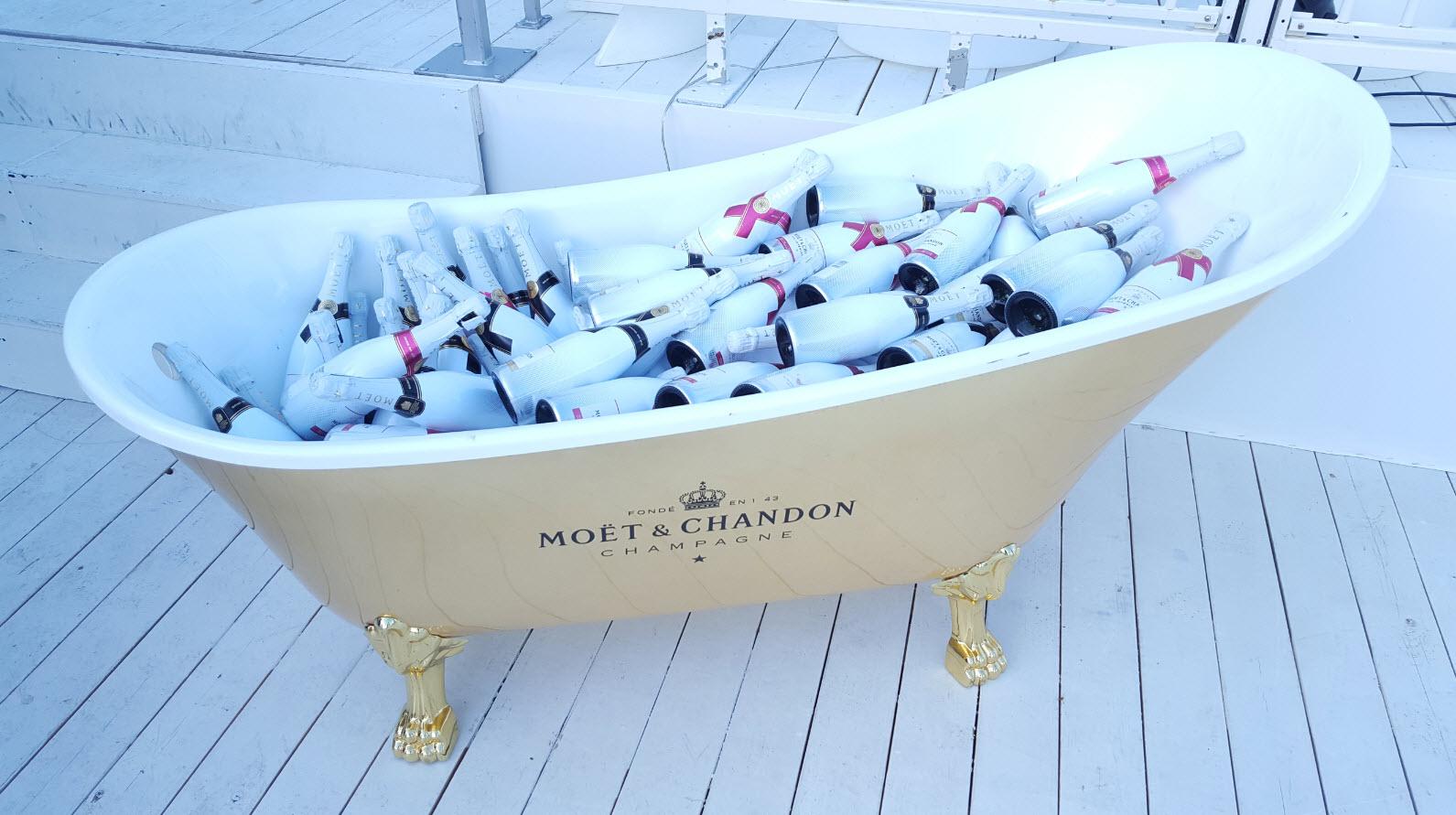 Piscine de Champagne version baignoire