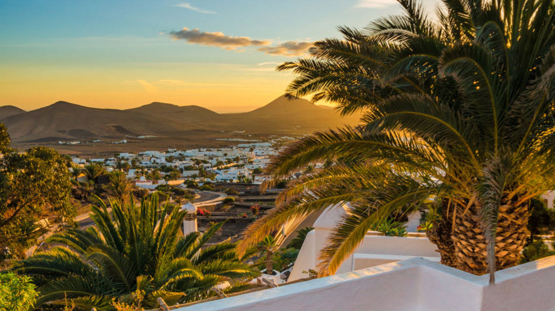 Soleil couchant en amoureux avec piscine privee Lanzarote