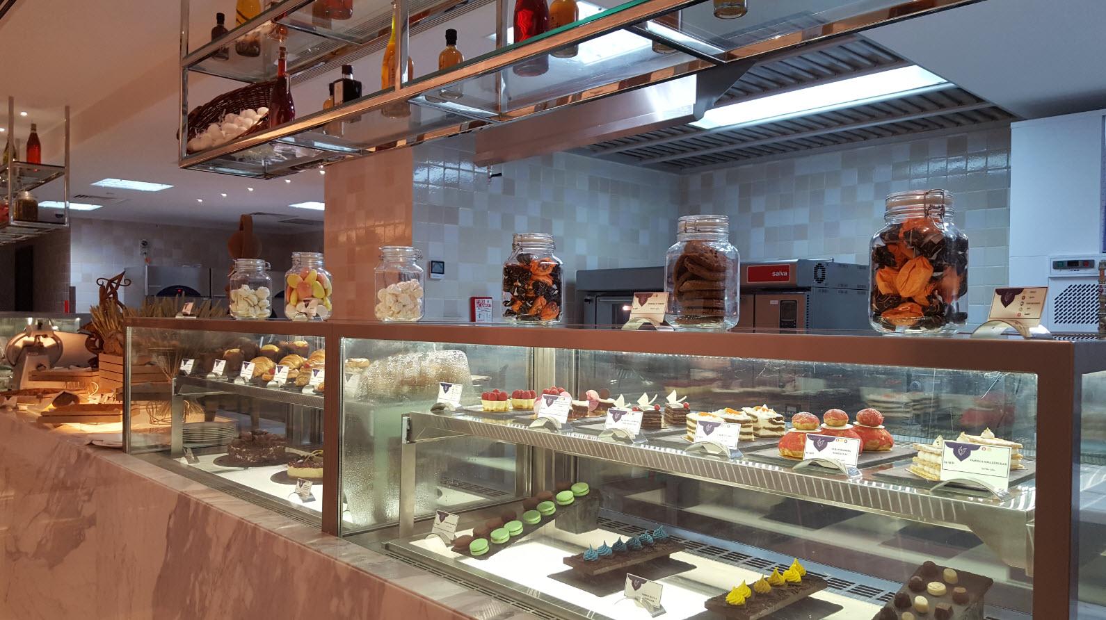 Deli shop Bab Al Qasr