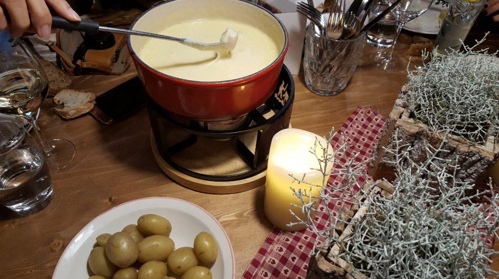 Manger une bonne fondue a Geneve