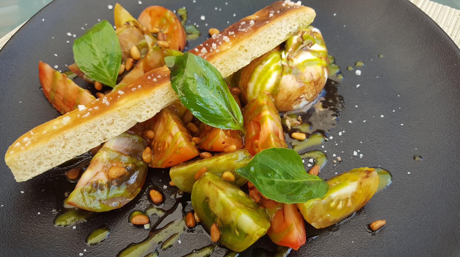 Salade tomates burrata