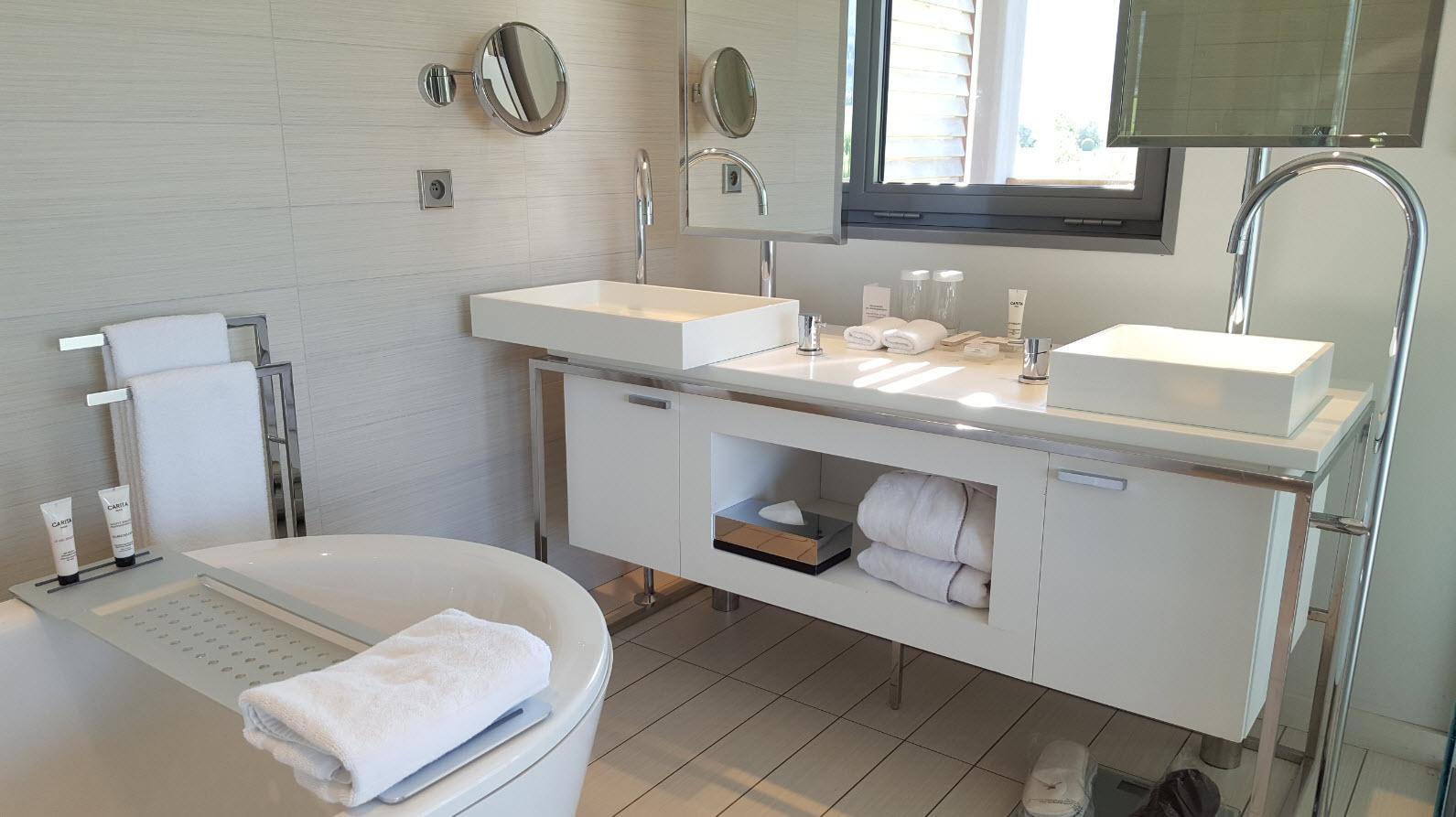 Coin salle de bains et lumiere naturelle