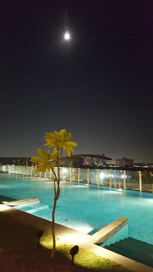 Super moon Abu Dhabi