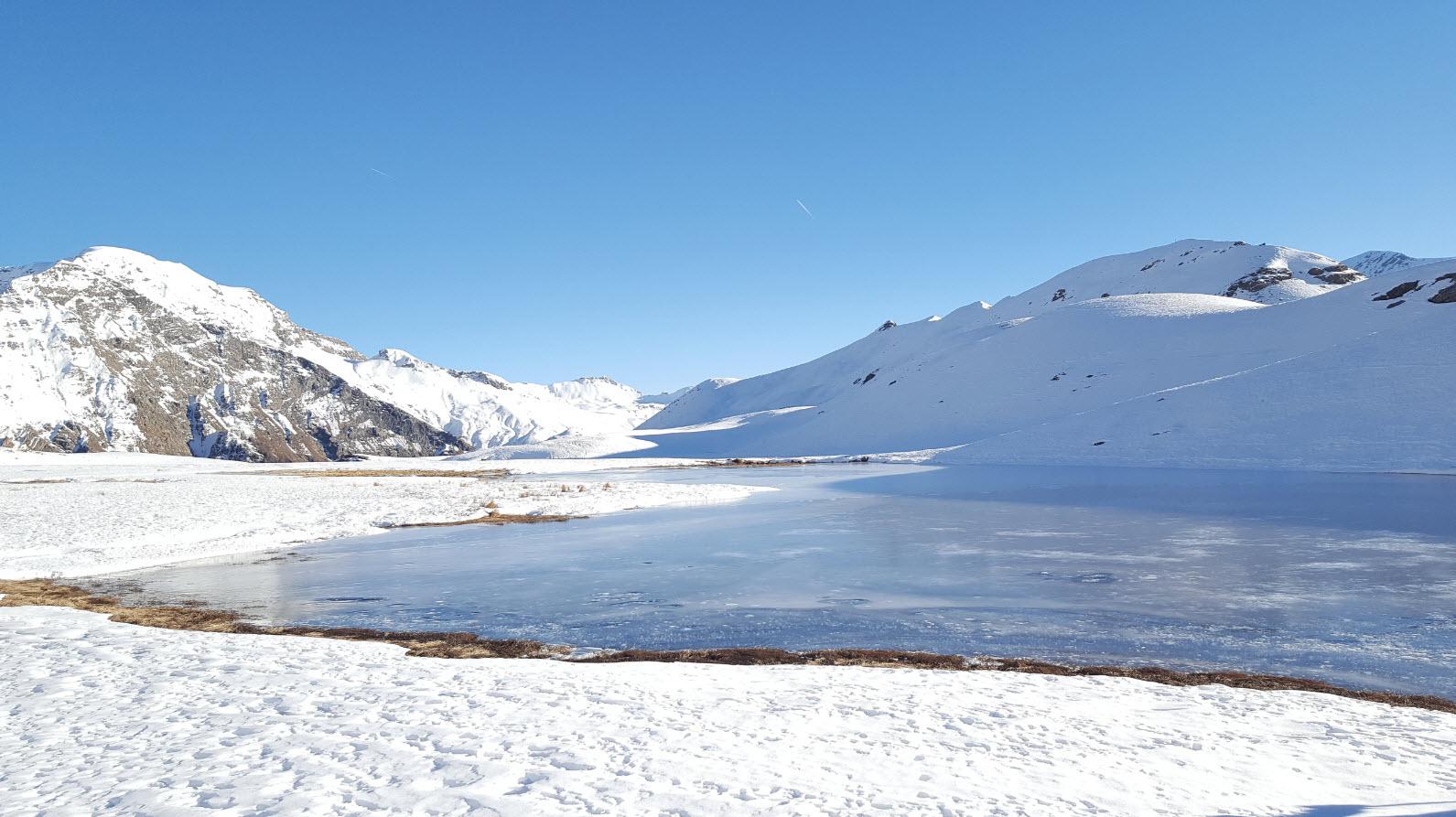 Lac sous la glace