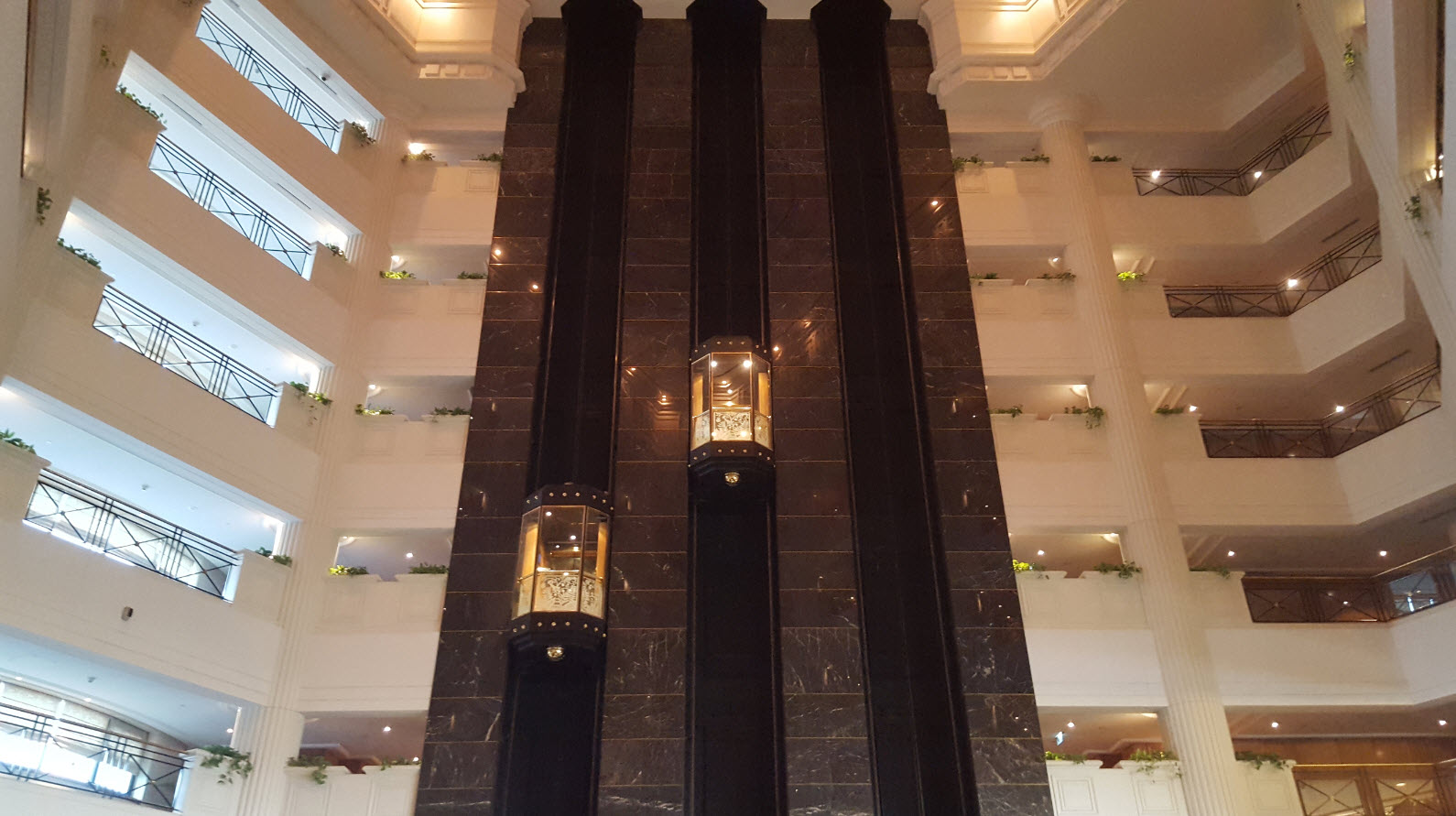 Ascenseurs en verre
